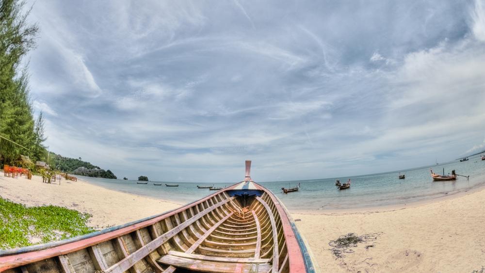 泰国副总理:7月1日向外国游客开放普吉岛政策不变