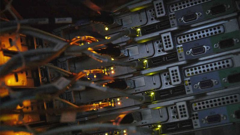 堪比大片:800多人使用同款加密通信系统落网,FBI是运营方