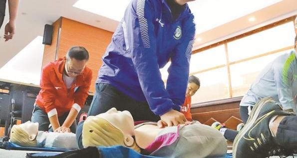 深圳公共场所配置AED超5500台,覆盖率全国第一