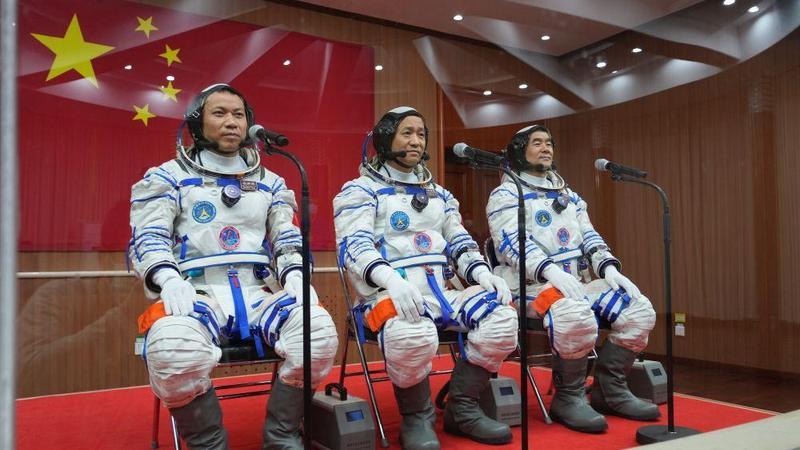 """香港科技专家:国家航天成就点亮香港青年""""太空梦"""""""