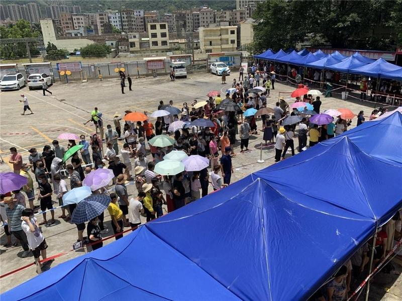 协助核酸筛查!东莞市樟木头镇130名网格员迅速出动