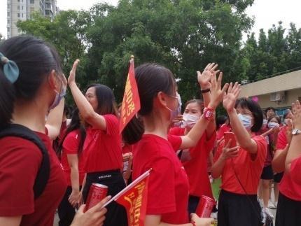 中考加油!6月26日肇庆中考开考,这所学校为每一位考生加油