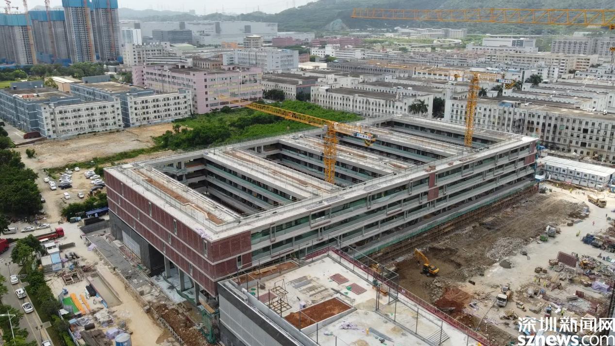 """飞阅钢铁""""深""""林32  深圳市第十五高级中学将于本月底完工"""