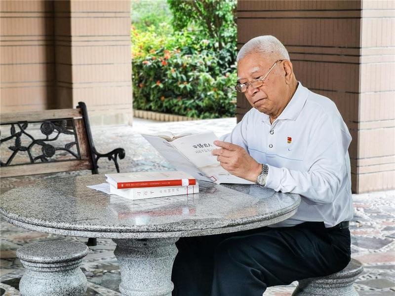 """东莞79岁党员李德广:""""我要有一分热,发一分光"""""""
