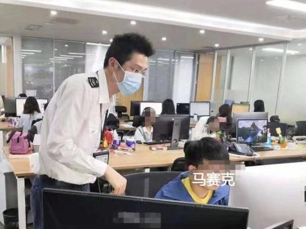 """中山全省首推居住证""""简易签"""",50多万居民续签提速"""