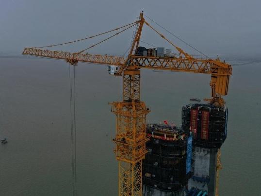 西主塔封顶!深中通道伶仃洋大桥进入上部结构施工阶段