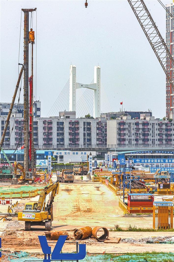 新皇岗口岸:将建成纯旅检口岸