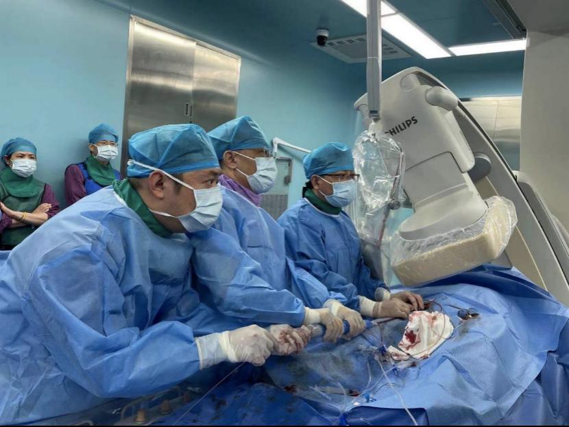 深圳市中医院完成高难度TAVR手术