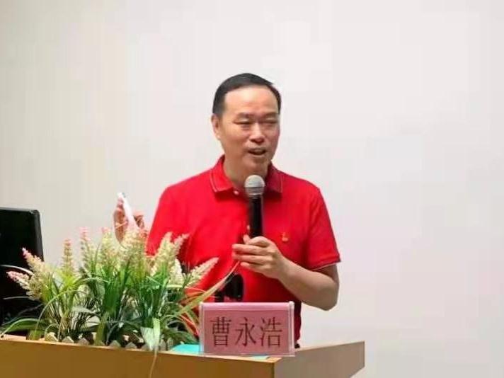 """""""南粤楷模""""为东莞市社区青年党员讲党史"""