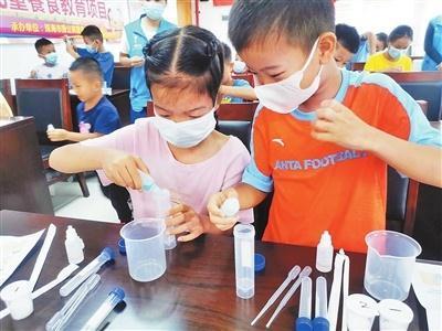 糖要怎么吃才健康?唐家社区的孩子们边玩边学
