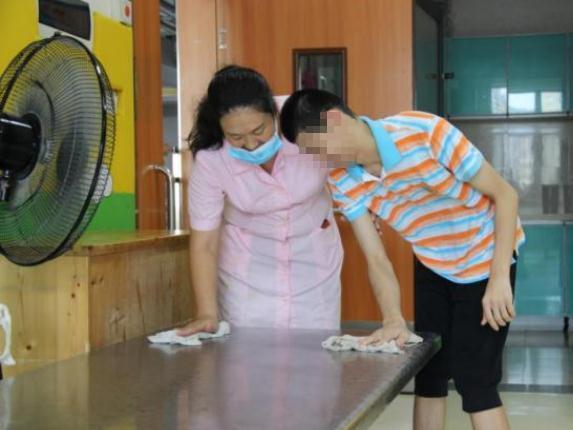 东莞市救助管理站帮助走失10年的孩子与亲人重聚