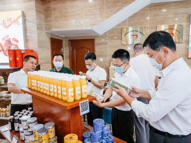 北京路展销南疆农特产品,广州援疆工作队探索援疆新模式