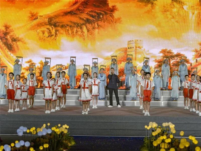 """为他们骄傲!东莞市长安镇20名教师获评""""品智教师"""""""