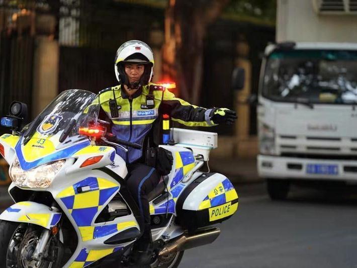 @广州车主:即日起,机动车不礼让行人将重点整治!