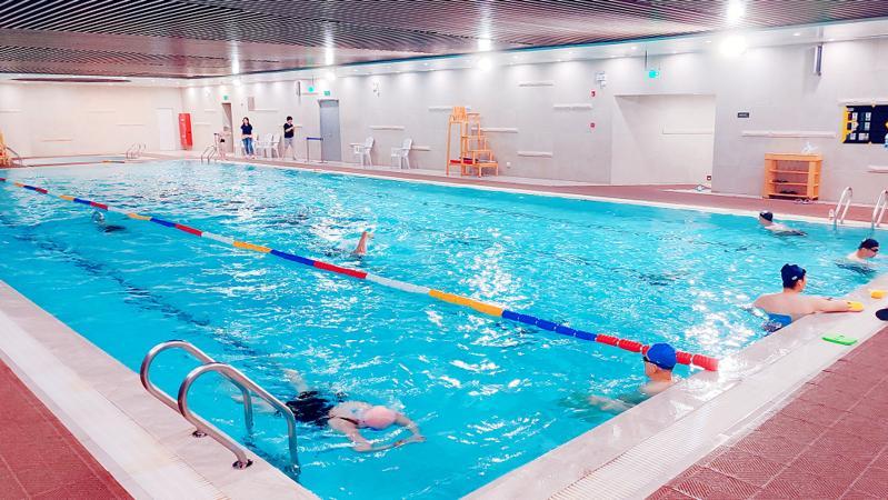 游泳纳入中考体育必考选项!广东这市明确了