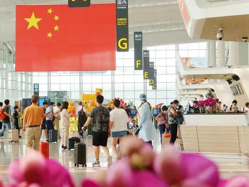 国庆黄金周白云机场接送旅客99.23万人次