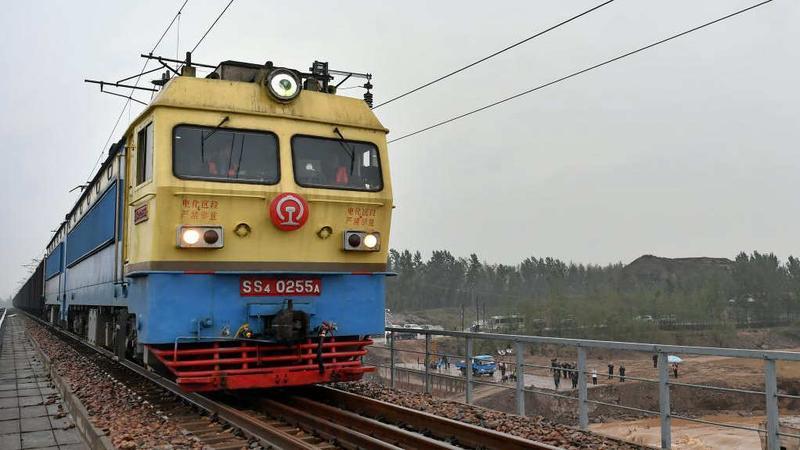 山西境内受损南同蒲铁路双向恢复通车