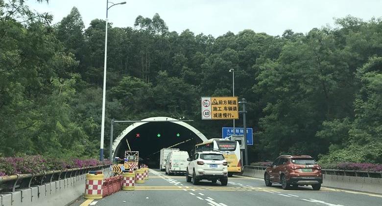 盐龙大道大岭鼓隧道工程将于10月31日前完工 恢复三车道通行
