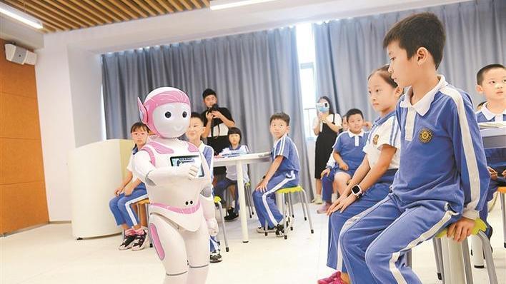 """""""科技赋能教育"""" 这个""""AI老师""""有点萌"""