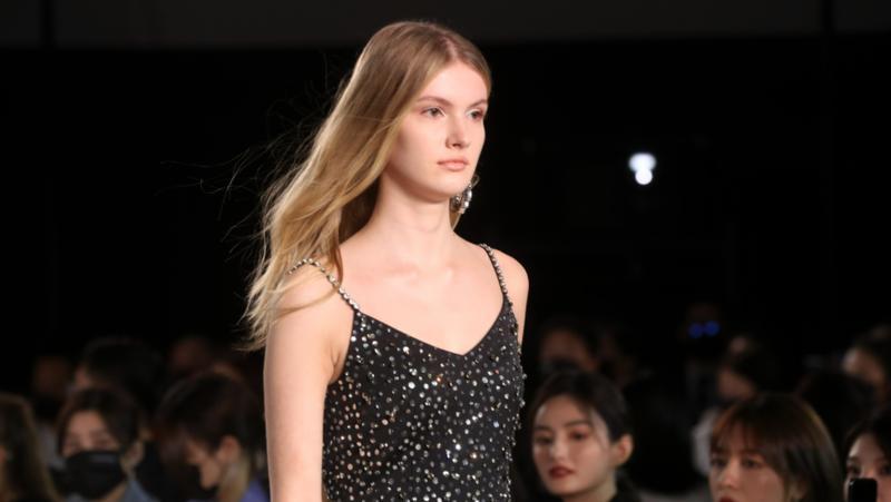 深圳时装周2022春夏系列开幕 打造全球时尚盛典