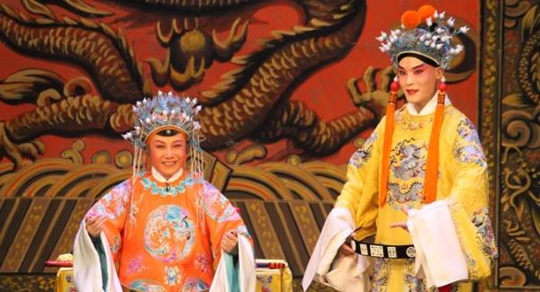 戏曲名家念唱作打 龙华居民品尝京剧艺术饕餮盛宴