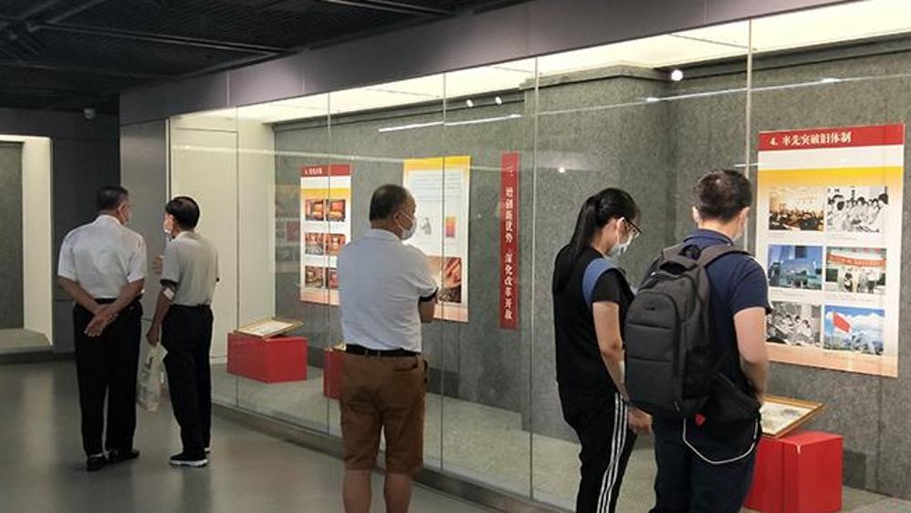 庆祝特区建立40周年 盐田展出上千张邮品及珍贵图片