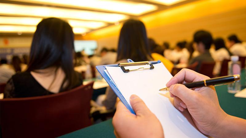 深圳这13家教育培训企业承诺合同期内可无理由退费(语音播报)