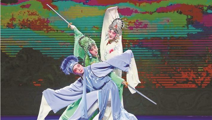 """让戏曲文化在鹏城""""活起来"""""""