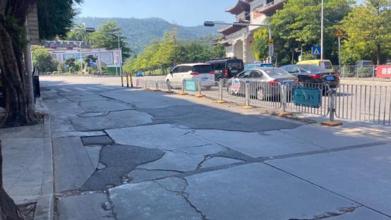 回访 | 龙岗路面破损严重的布吉西环路仍未见修复,市民@相关部门:何时整修?