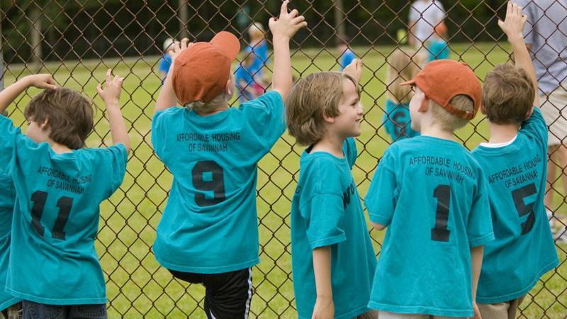 美国近120万儿童感染新冠,周增14万余例