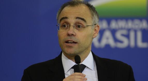 巴西司法和公共安全部长确诊感染新冠肺炎