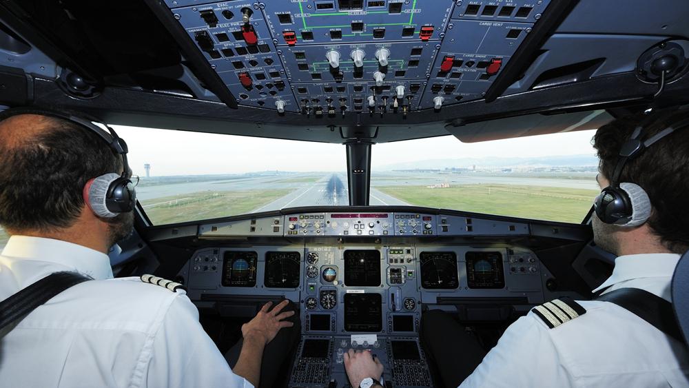 新冠疫情致飞行员长时间停飞 或成航空安全隐患优盛彩票至?