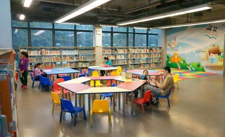 """南山图书馆""""儿童友好图书馆""""揭牌"""