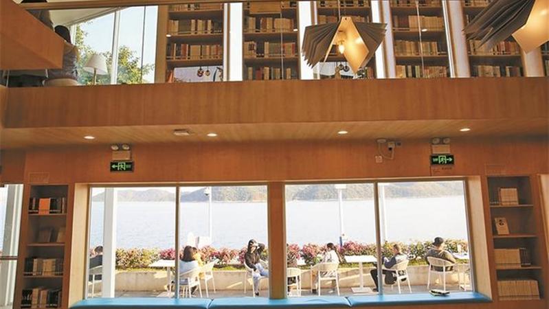 来盐田山海间邂逅10家智慧书房 每走1.5公里就能遇到一个独具特色的阅读空间