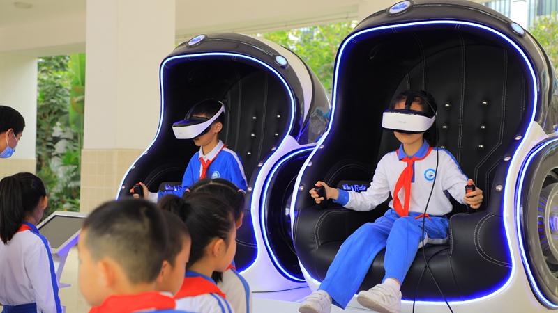 宝安中学(集团)实验学校科创教育展示狂欢节开幕