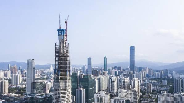 深圳在建第一高楼顶升突破300米