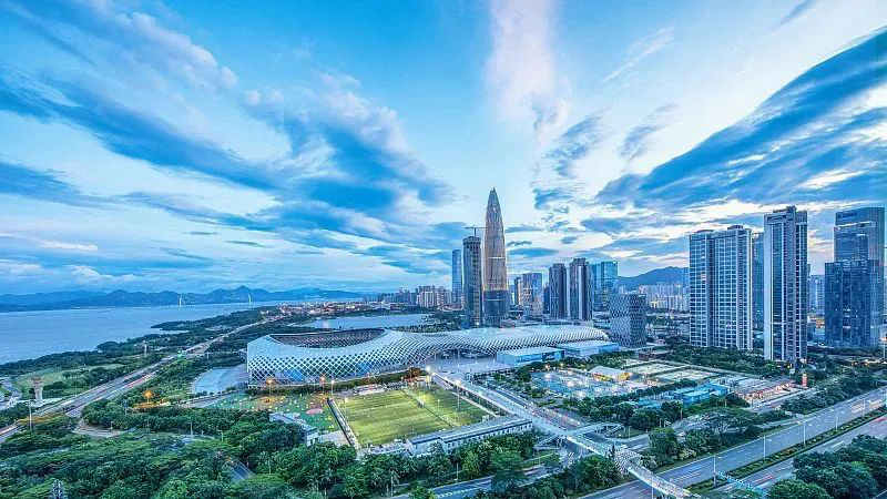 王伟中接受《经济日报》专访:肩负起推进科技自立自强的深圳责任