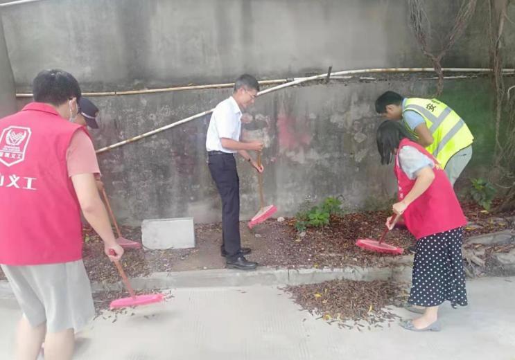 文明城市创建助力疫情防控 坪山区开展市容环境卫生整治行动