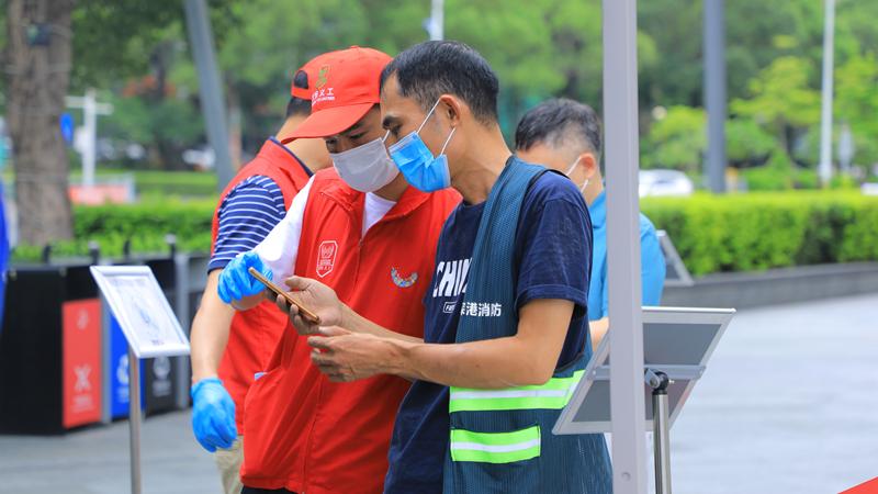 新安街道海旺社区:织密织牢疫情防护网 核酸检测点组织有序