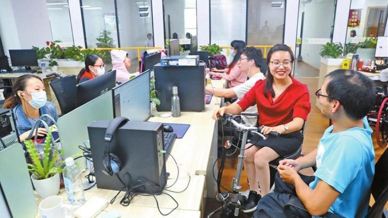 """""""勇敢的雨燕""""张莹莹:探索残障人群多元化就业创业模式"""