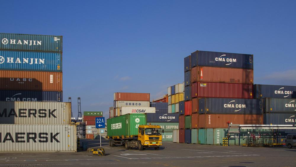 深圳盐田港20个泊位已全部恢复作业
