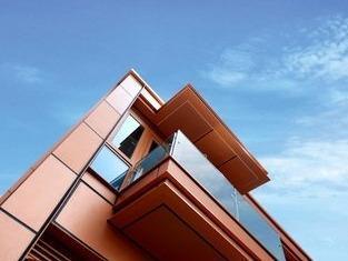 """香港将""""组装合成""""建筑法应用公屋 先导项目2024年完成"""