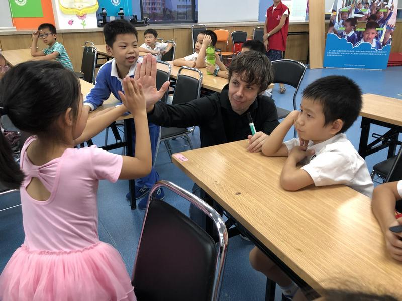"""三年斩获省市区三项荣誉!坝光社区五个""""友好""""打造儿童友好社区建设样板"""