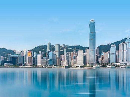 董建华:香港有需要时 中央总在身边