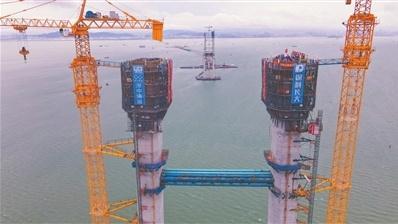 深中通道伶仃洋大桥西主塔封顶!大桥建设全面转入上部结构施工阶段