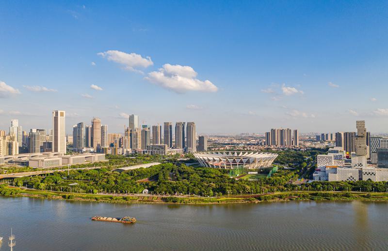 佛山市政协主席胡钛率队视察东平河滨水生态区整治和建设