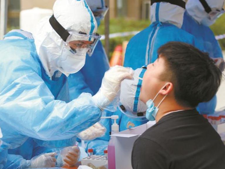 广东省中山市对中高风险地区返粤人员排查中发现1例新冠肺炎无症状感染者
