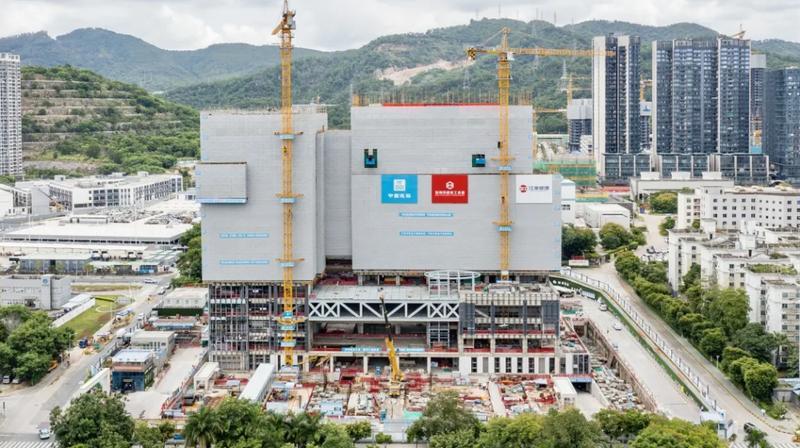 """这座与深圳人""""性命攸关""""的大楼封顶了!预计明年8月竣工"""