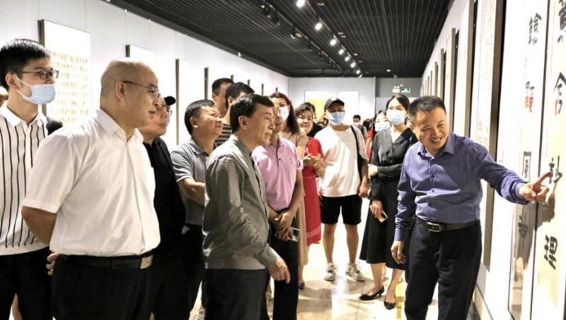 上百件优秀作品入选2021深圳书坛新人新作书法展