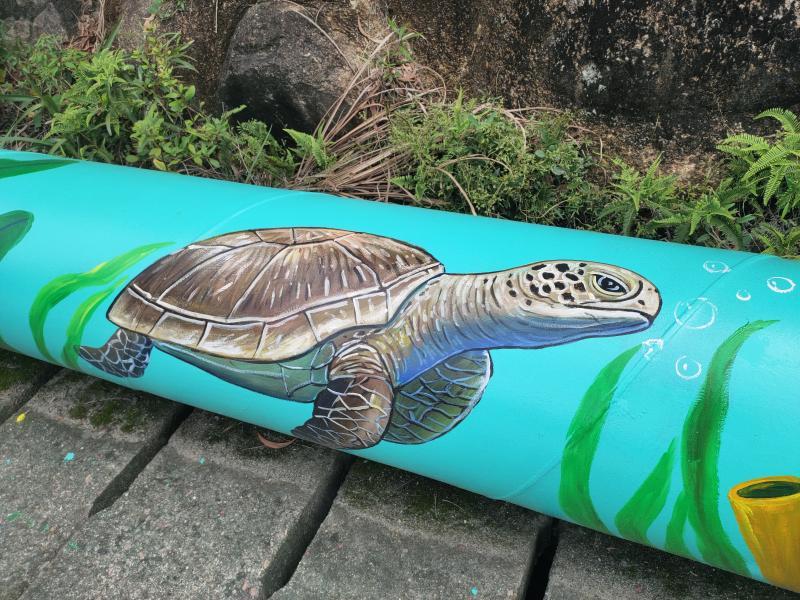 300米海洋特色彩绘水管萌翻游客,南澳全力打造宜居宜业宜游人居环境